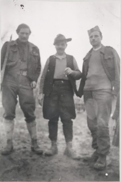 Captain Lees and Major Shemer on the move somewhere in Serbia. Note that Captain Lees is wearing traditional Serbian footwear. (IWM, London, photographic archive, collection 8905-16)
