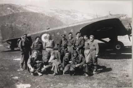S.O.E. officers and aircrew prior to evacuation by air from Serbia. Between June 1944 and May 1945, the Balkan Air Force flew 36,340 sorties, delivered 16,400 tons of supplies and flew 2500 individuals into Yugoslavia and 19,000 (mostly wounded) out. (IWM, London, Documents archive 12691)
