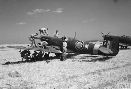 """""""Спитфајер"""" југословенске ескадриле BAF-а – 352 (југословенска) ескадрила спровела је 367 борбених операција и 1.210 полетања (Империјални ратни музеј, Лондон, фото-архива, CNA 3096)"""