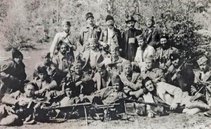 Мајор Хадсон с генералом Михаиловићем и његовим лојалистима